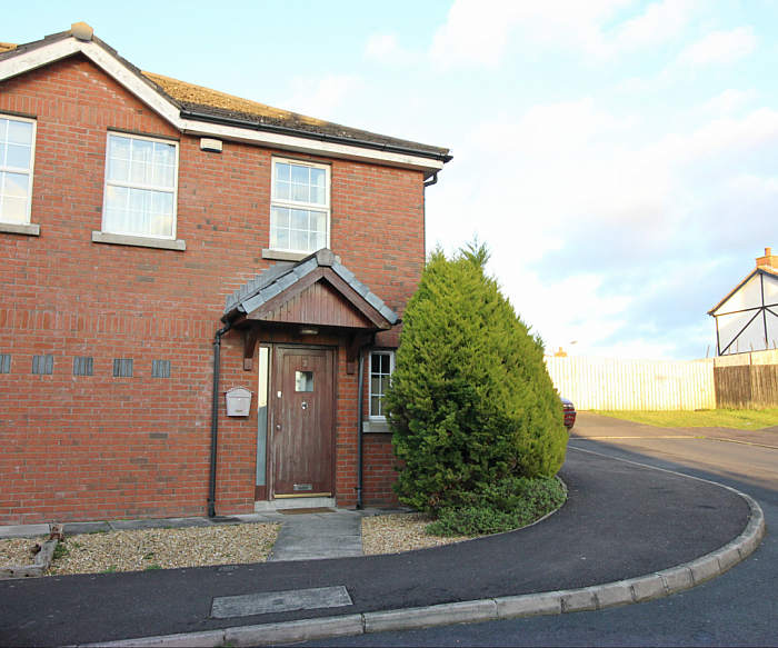 2 Larksborough Close, Newtownards